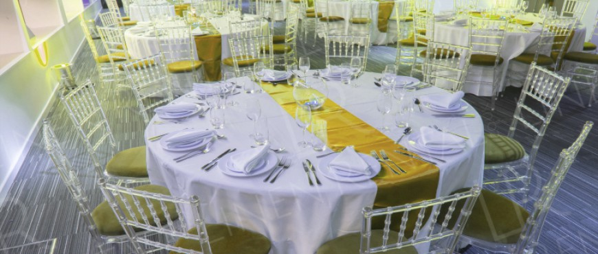 How To Choose The Right Colour Linen For Your Wedding Tables